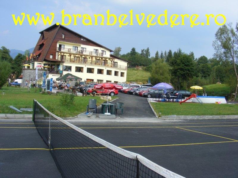Hotel Bran, teren tenis Bran Moeciu, 1 Mai la munte.